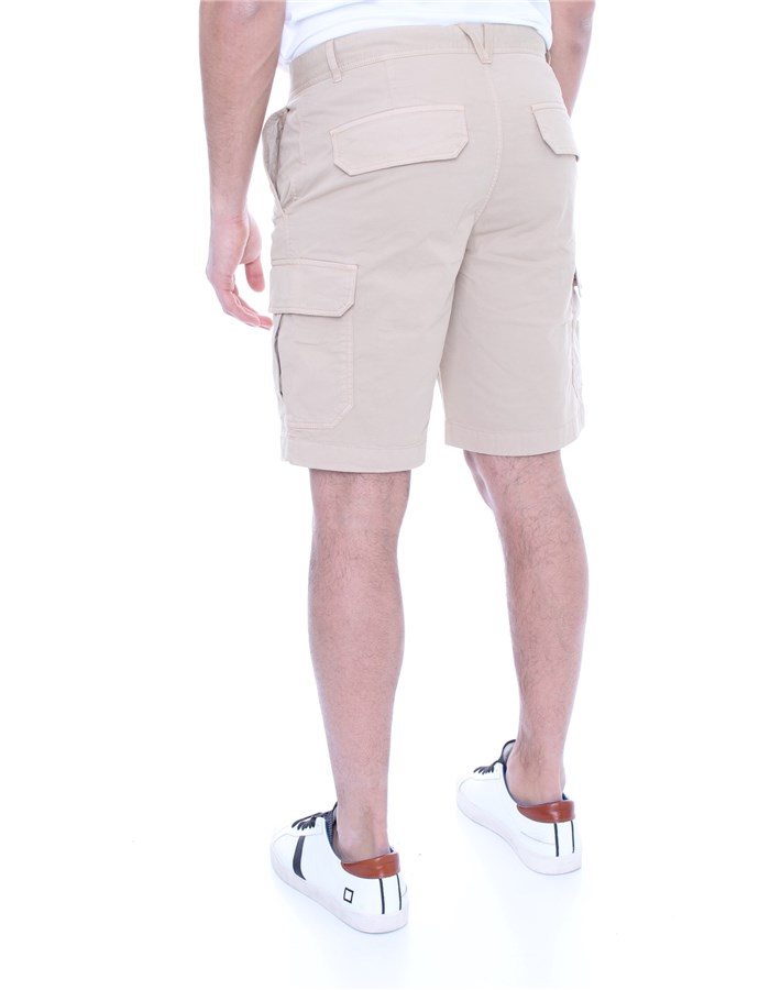 WOOLRICH Shorts  To the knee Men WOSHO019 2559 5