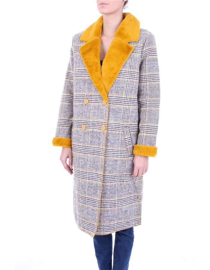 MOLLY BRACKEN Coat yellow