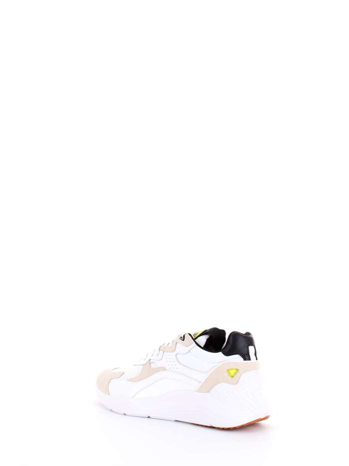 MCQ ALEXANDER MCQUEEN. MCQ ALEXANDER MCQUEEN Scarpe Uomo Sneakers Bianco  544903 R563 1d3eb37aca8